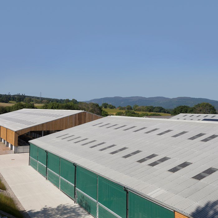 Advantages of fibre cement roofing on agricultural buildings